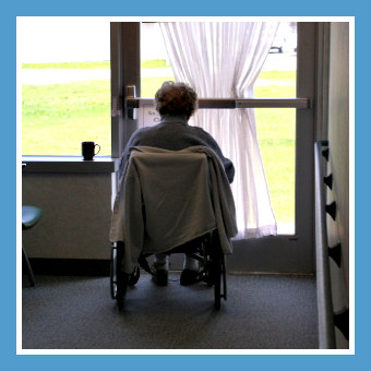 Lonely-Senior-Developing-Dementia